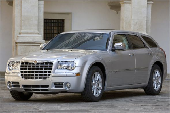 Chrysler_300C_Touring.jpg