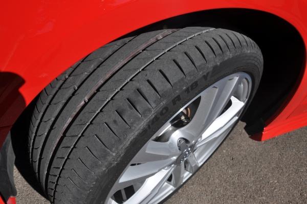 Der neue Audi A3 schiebt mit seinem Frontantrieb über die Vorderräder
