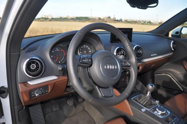 Der neue Audi A3 im Fahrbericht: das Cockpit