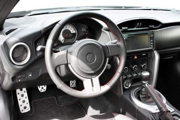 Fahrbericht: Toyota GT86. Das Cockpit