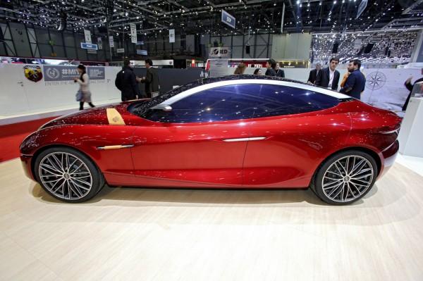 Alfa Romeo Glorai Concept_Genf_2013_02