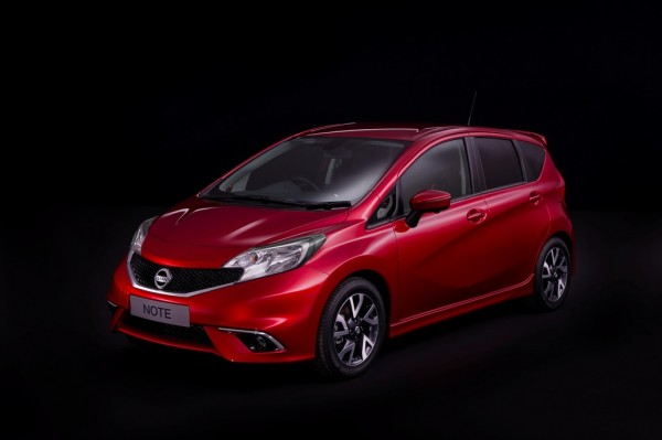 Nissan_Note_2013_03