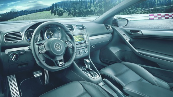 VW_Golf_R_Cabrio_2013_03