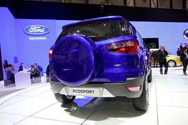 Ford_Ecosport_2013_02