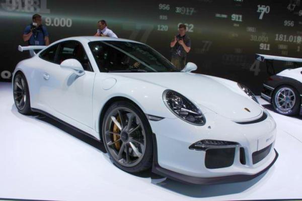 Genf 2013 Porsche 911 GT3 - Bild 01
