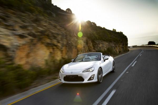 Toyota_FT86_Cabrio_2013__02