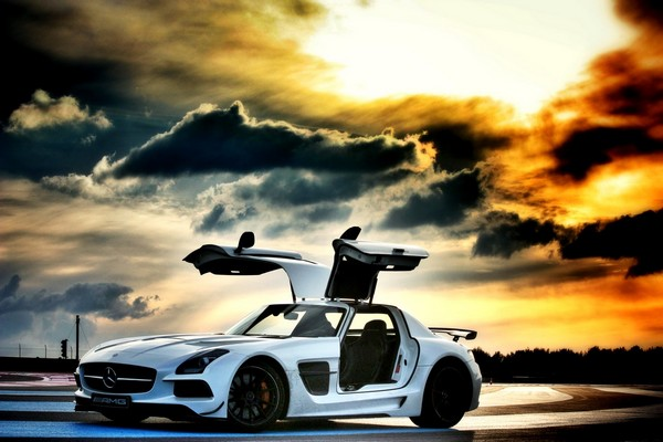 mercedes-benz-sls-amg-black-series-weiß-automobil-blog-01