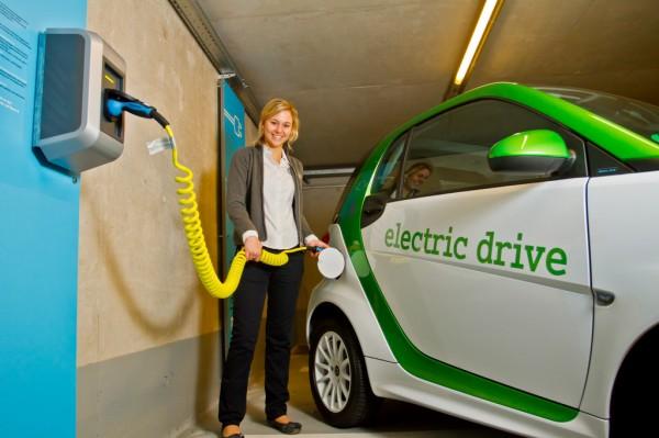 Elektromobilität_Daimler_2013