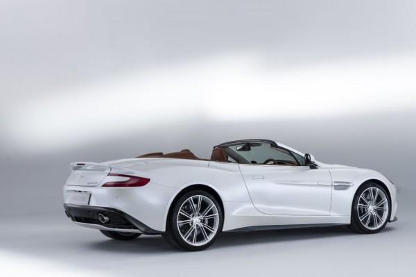 Aston Martin Vanquish Volante_2013_02