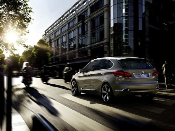 BMW Concept Active Tourer Outdoor_2013_02