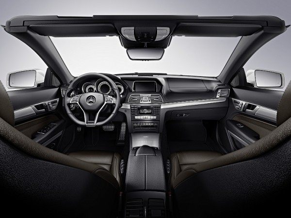 Mercedes-E-Klasse-Cabrio-2013-Cockpit