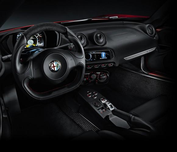 Alfa Romeo 4C_2013_03