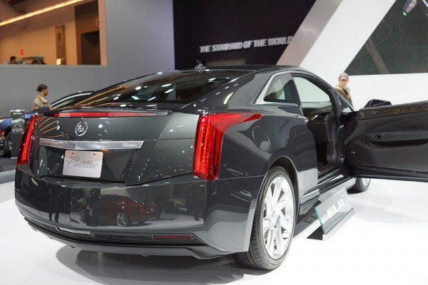 Cadillac_ELR_2013_02