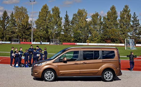 Ford-TourneoConnect_2013_01