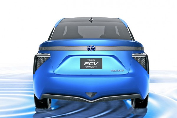 Toyota-FCV-Concept-2013-02