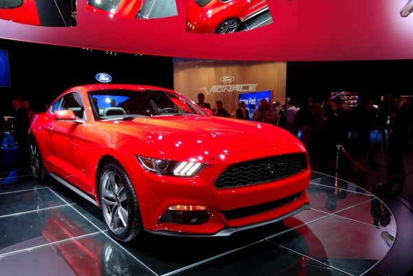 Ford Mustang_2015_01