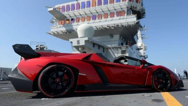 Lamborghini-Veneno-Roadster-2013-04