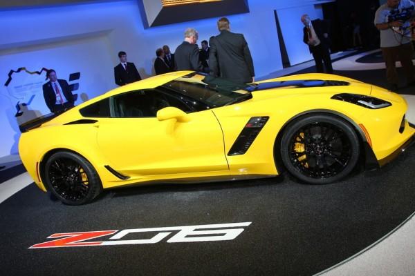 Detroit 2014 Corvette Z06 2015 02