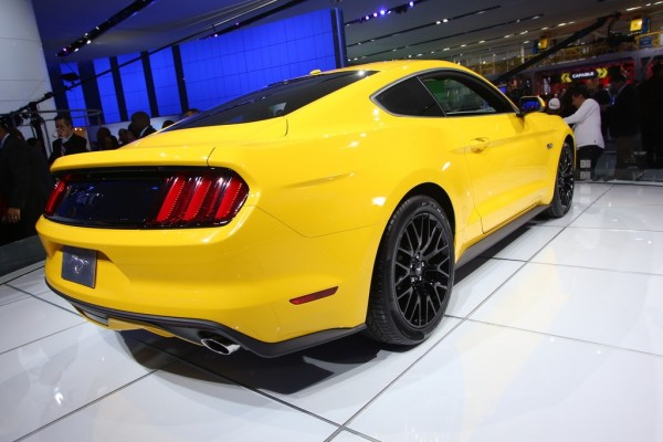 Detroit 2014 Ford Mustang Coupe 4