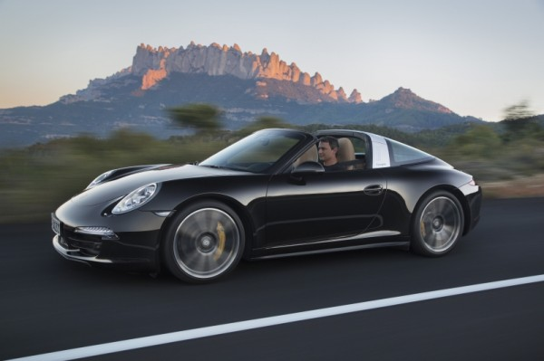 Porsche 911 Targa 01