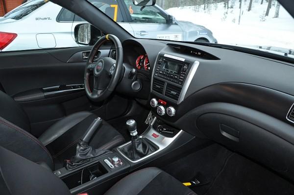 Michelin Winter Experience 2014 Subaru WRX STI Schwarz Cockpit