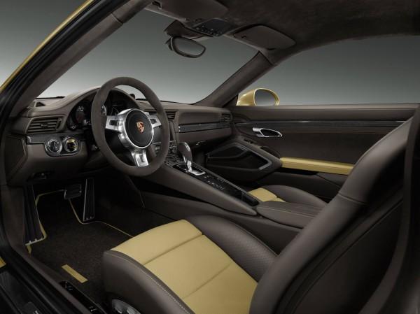 Porsche_911_Turbo_Gold_2014_03