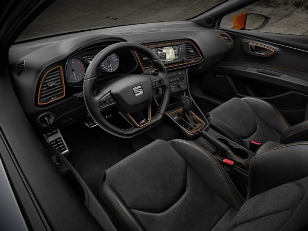Seat Leon Cupra Cockpit