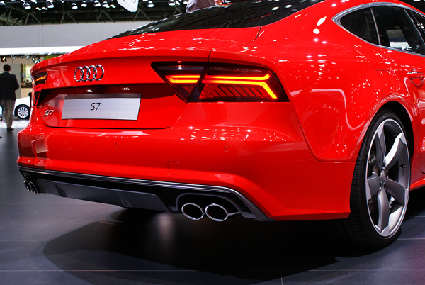 Audi-S7-Sportback_AMI_2014_02
