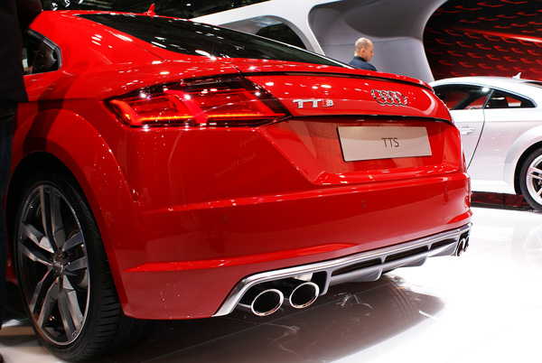 Audi-TTS-AMI-2014-02