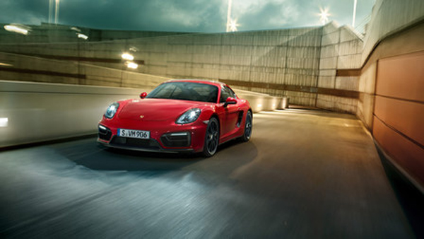 Porsche_Cayman_GTS_2014_01