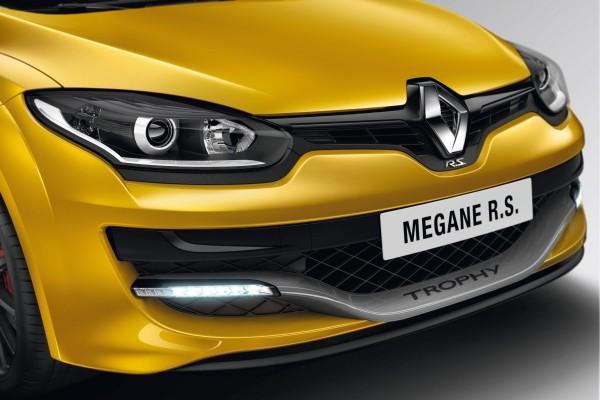 Renault Mégane R.S. Trophy 275 TCe - Bild 03