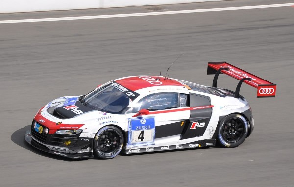 Audi R8 LMS ultra Nummer 4 auf Platz 1