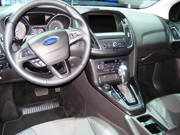 Ford_Focus_AMI_2014_05