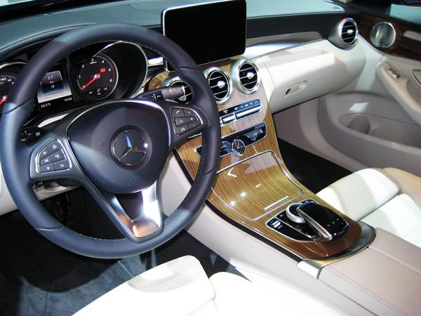 Mercedes_C_Klasse_T_Modell_AMI_2014_03