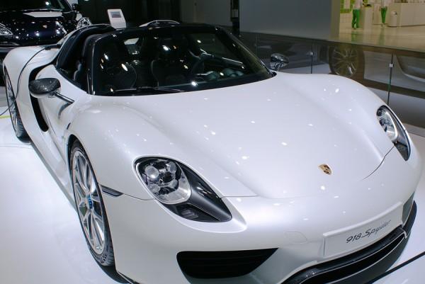 Porsche_918_Spyder_Hybrid_AMI_2014_01