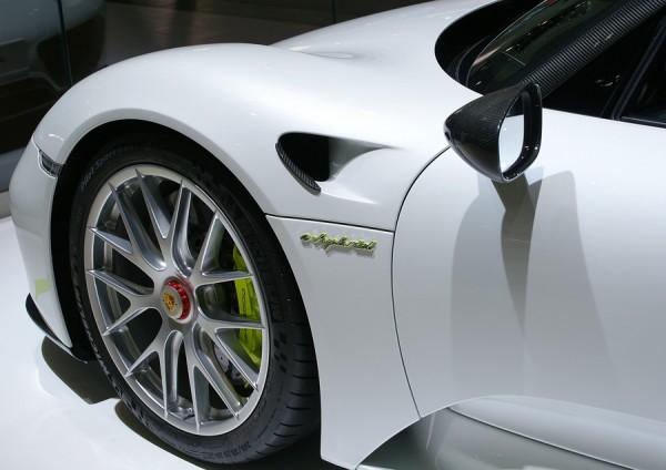 Porsche_918_Spyder_Hybrid_AMI_2014_03