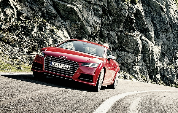 Audi TTS in den Bergen