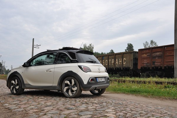 Opel Adam Rocks 02