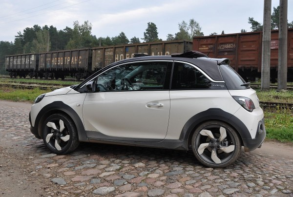 Opel Adam Rocks 05