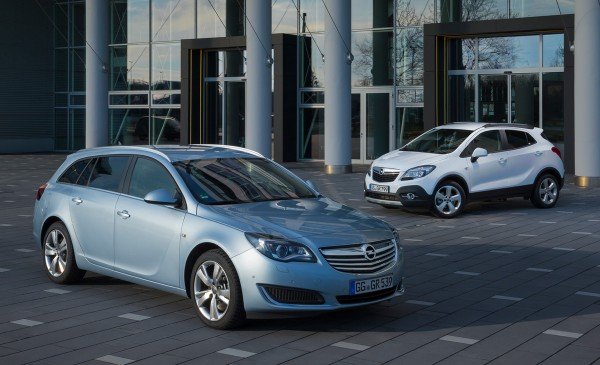 Opel-Insignia-and-Mokka_2015_01