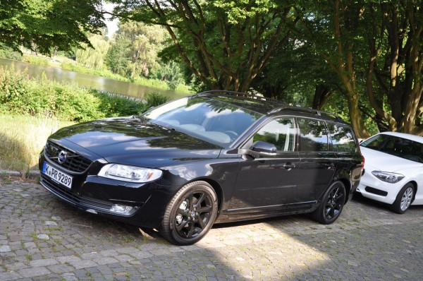 Volvo V70 Black Edition - Bild 002