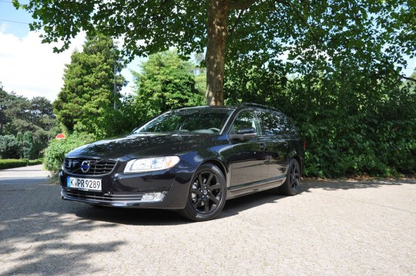 Volvo V70 Black Edition - Bild 011