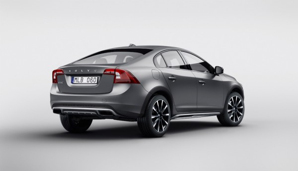 Volvo_S60_Cross_Country_2015_02