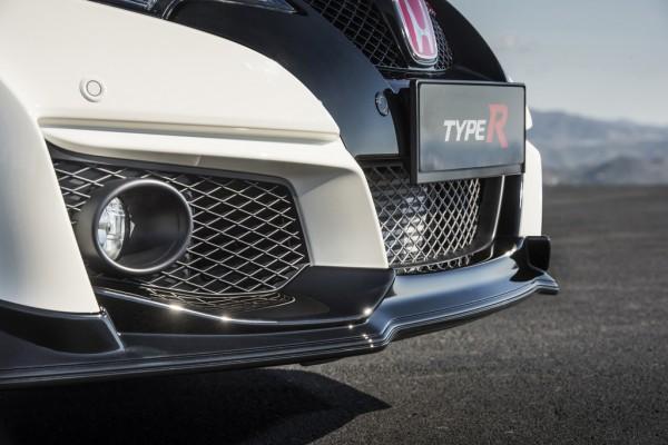 Honda_Civic_Type_R_2015_01