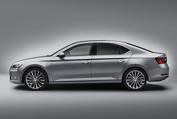 Skoda Superb 2015 Exterieur 3