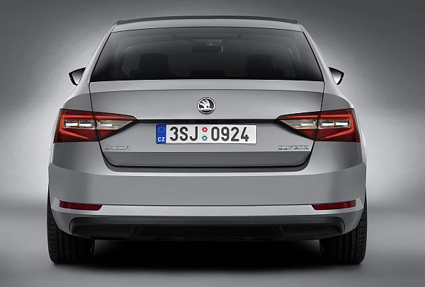 Skoda Superb 2015 Exterieur 4