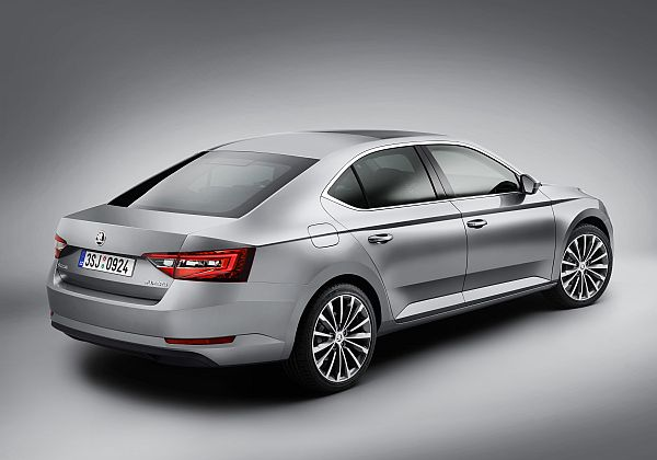 Skoda Superb 2015 Exterieur 5
