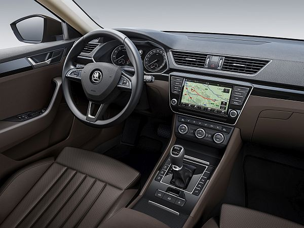 Skoda Superb Interior LaK