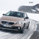 Volvo-V40-Cross-Country-T5-AWD_2015_01