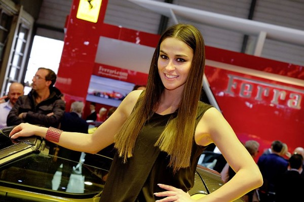 Genf 2015 - Messe-Babes 003